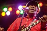 Chuck Berry, icona del rock and roll: Cantante e chitarrista, autori di brani intramontabili come ´Johnny B Goode' e `Roll Over Beethoven´. Aveva 90