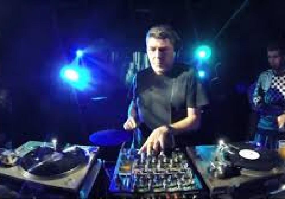 Claudio Coccoluco ...ci lascia uno dei più noti dj italiani